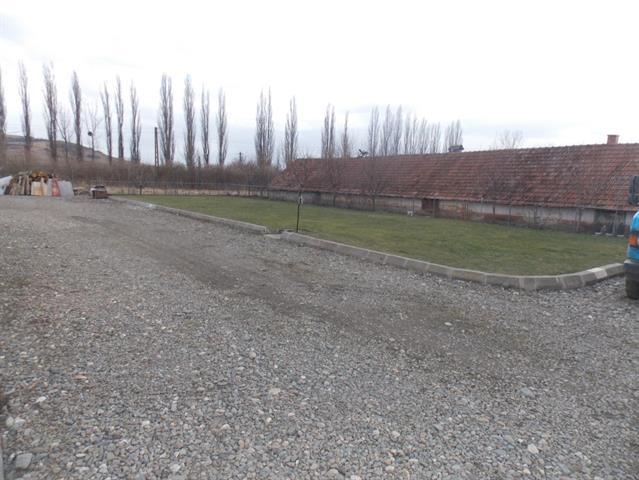 Teren intravilan + depozit 2600mp zona Viile Sibiului