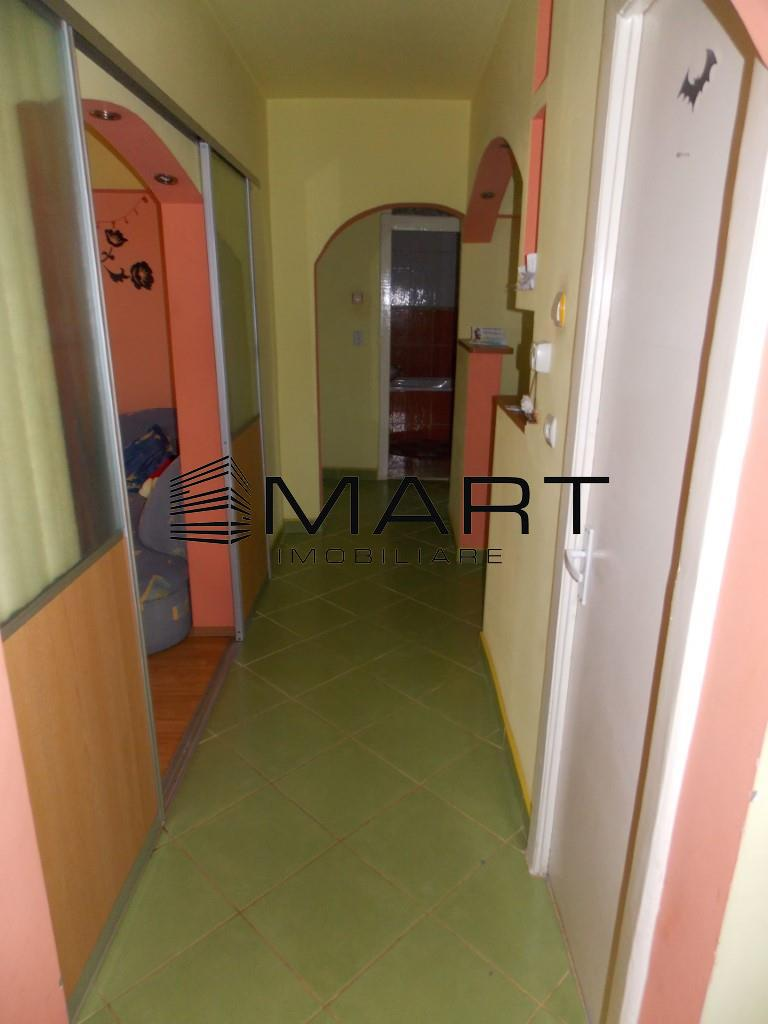 Apartament 4 camere decomandate zona Garii Sibiu