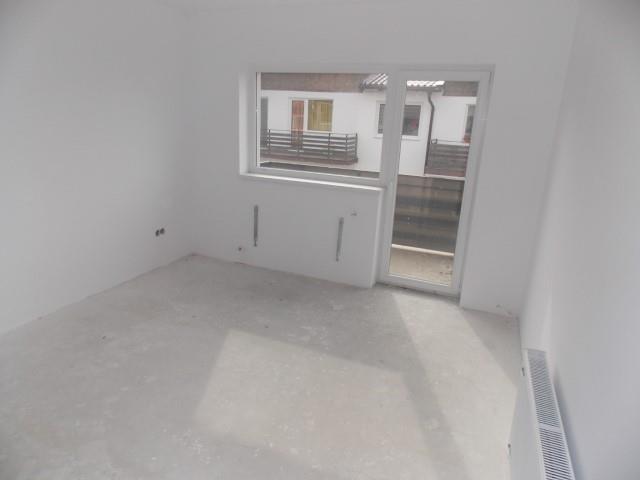 Apartament 5 camere Tilisca