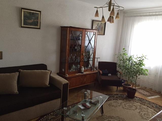 Apartament 3 camere decomandate zona Calea Dumbravii