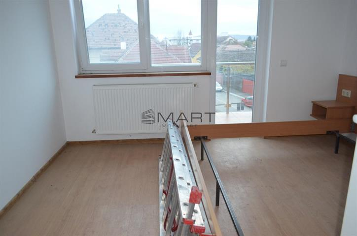 Apartament 6 camere zona Turnisor