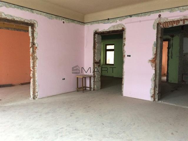 Casa single + Spatiu comercial pe Nicolae Balcescu