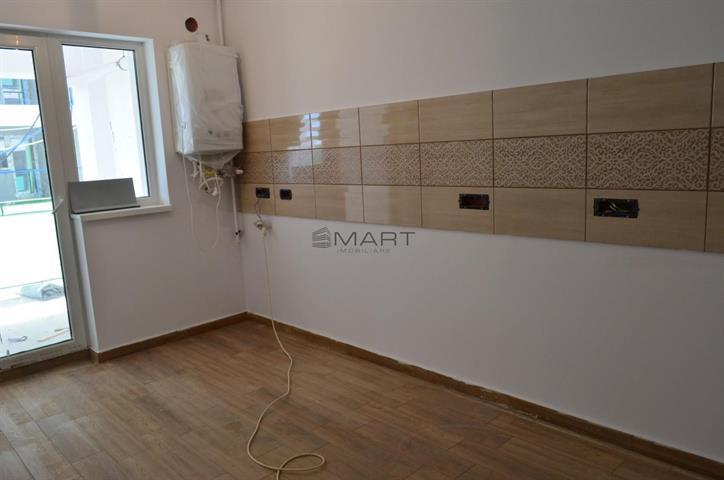 Apartament 3 camere etaj 1 zona Piata Cibin