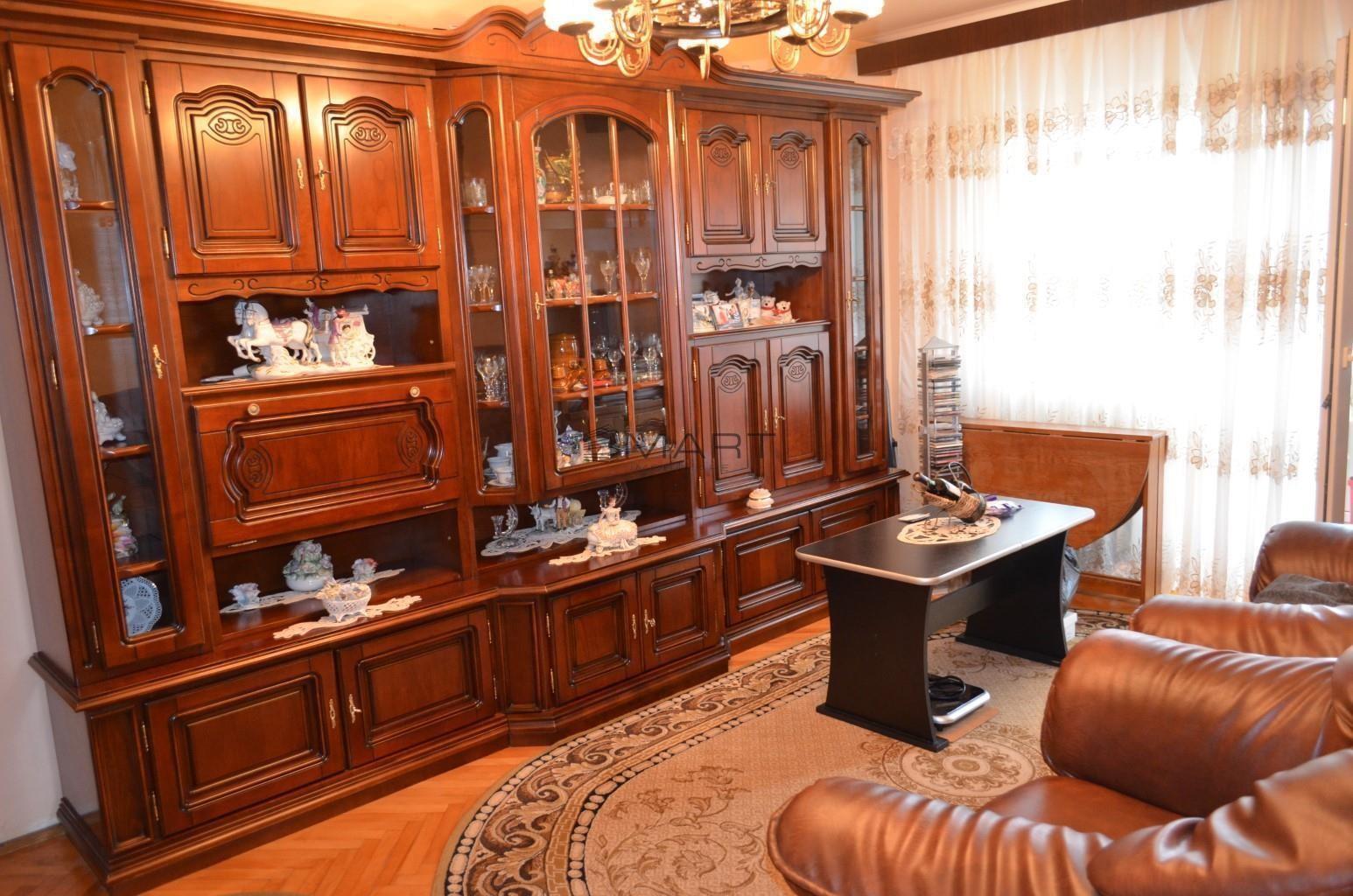 Apartament 4 camere zona Vasile Aaron