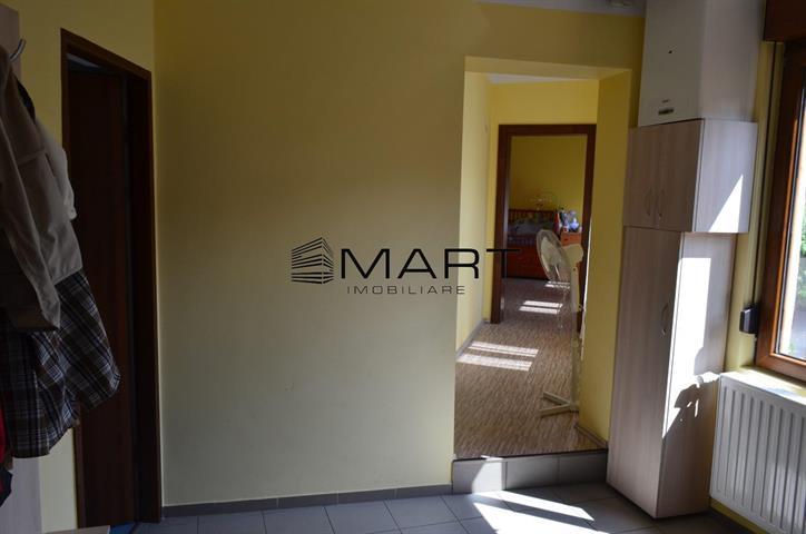Apartament 3 camere decomandate zona Orasul de Jos