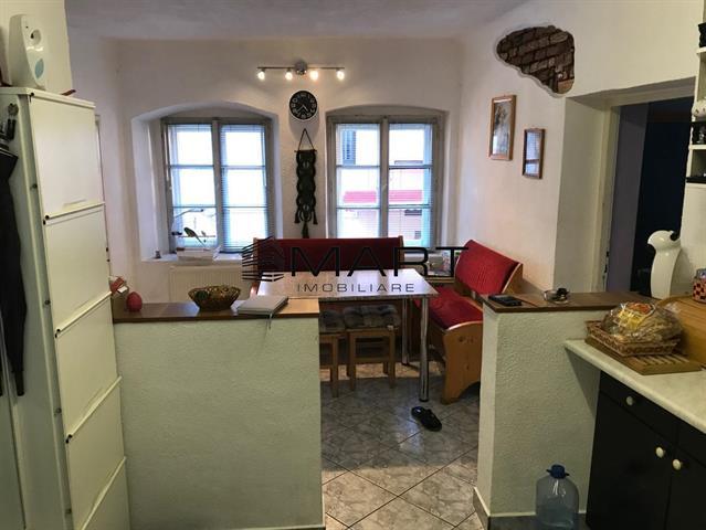 Apartament 2 camere decomandate zona Orasul de jos