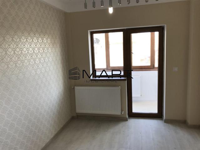 Apartament 2 camere semidecomandate zona Vasile Aaron