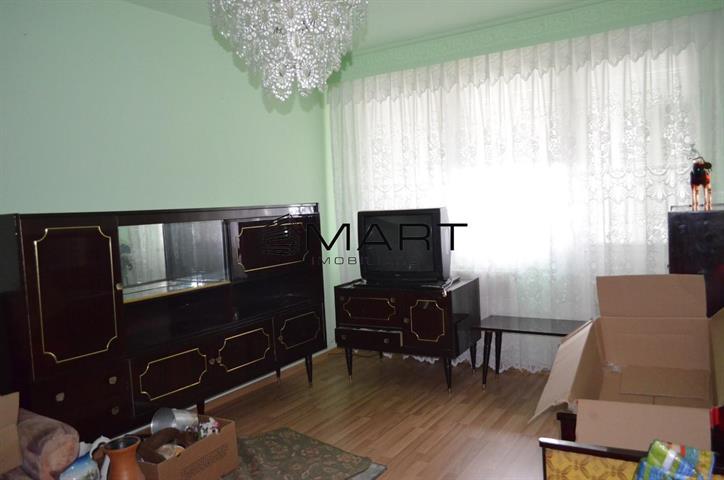 Apartament 3 camere decomandat str. Siretului