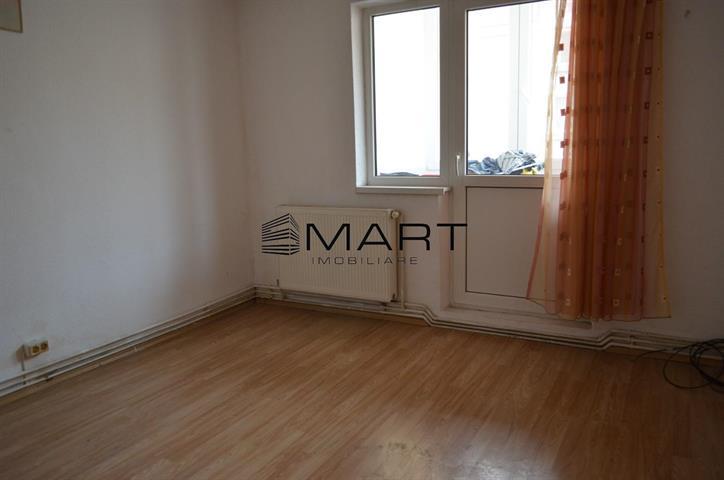 Apartament 3 camere decomandat zona Turnisor