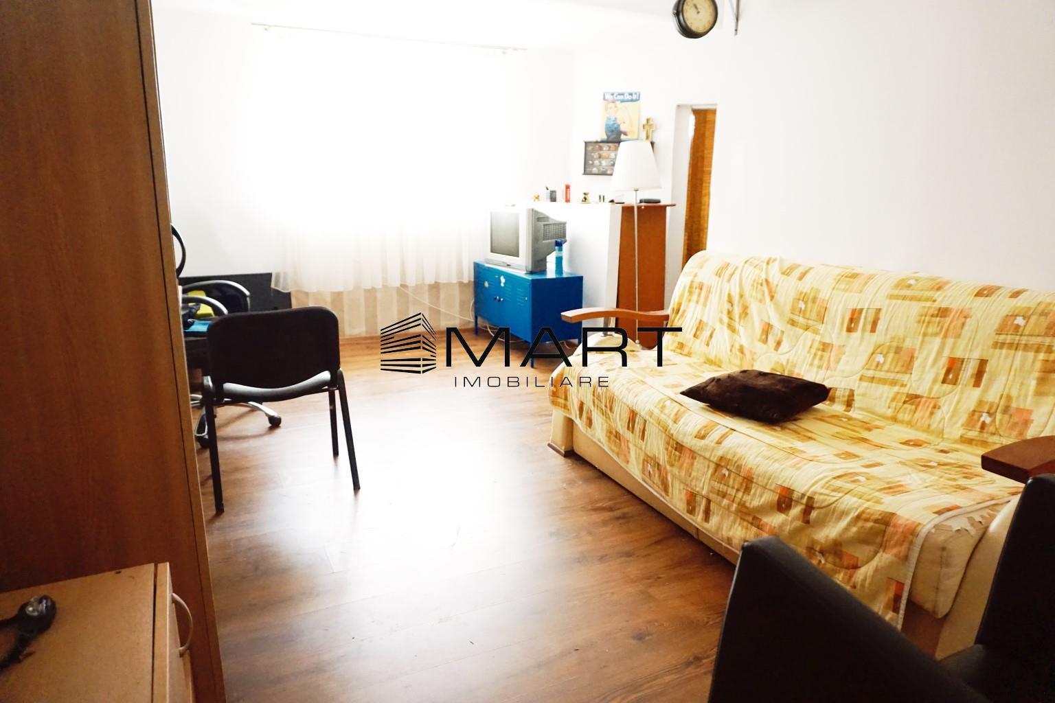 Apartament cu curte si garaj zona Noica
