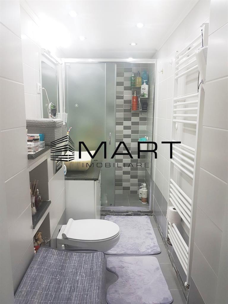 Apartament 3 camere decomandat zona Centru