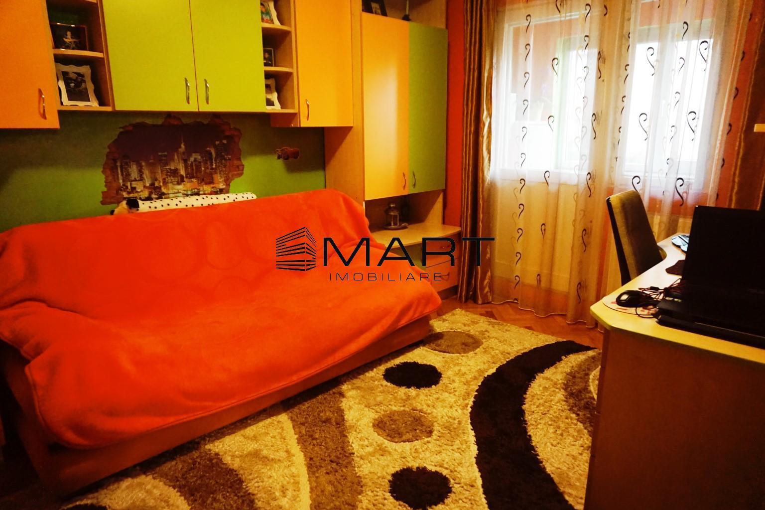 Apartament 3 camere decomandat etaj 2 zona Turnisor