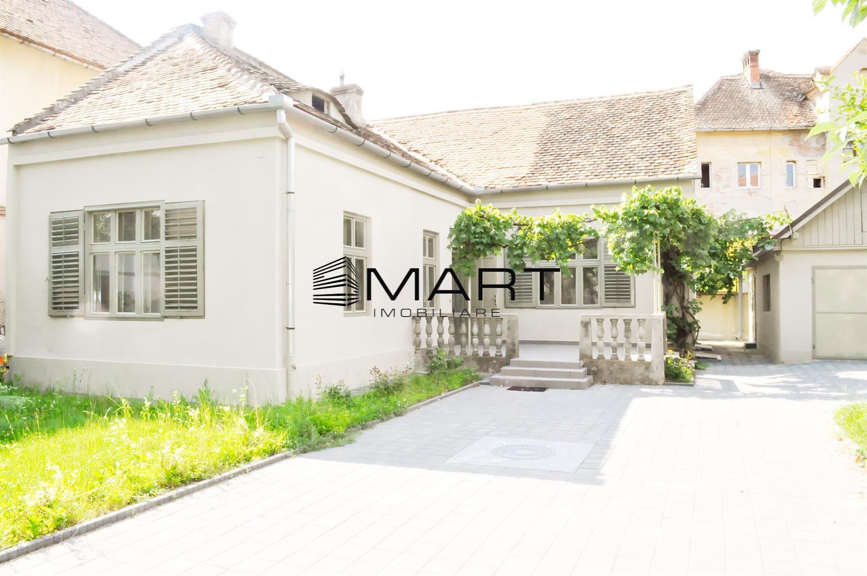 Casa single 115mp utili + 300mp curte zona Centrala